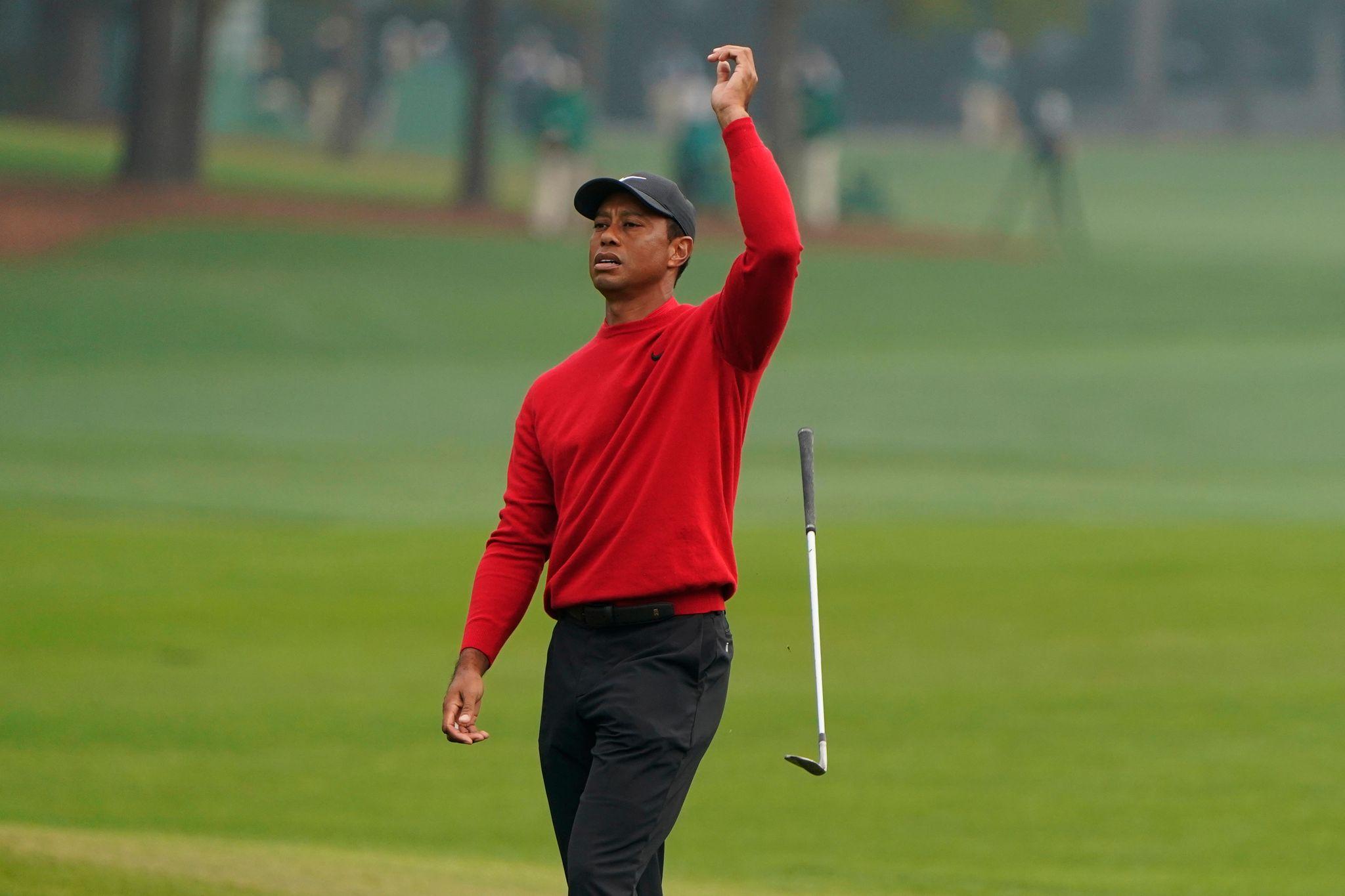 Dreimal Wasser, zehn Schläge: Tiger Woods erlebt Desaster