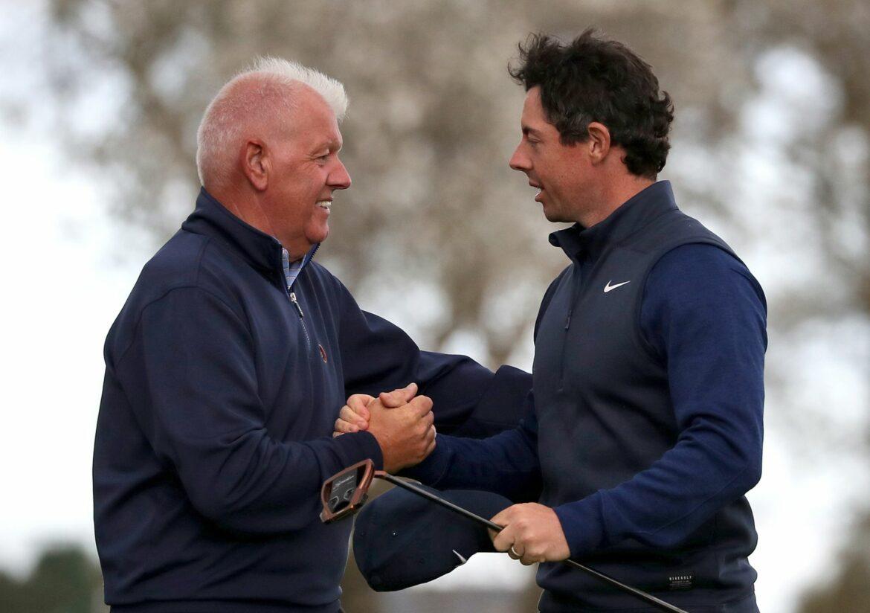 Golfer McIlroy trifft Vater mit Golfball am Bein