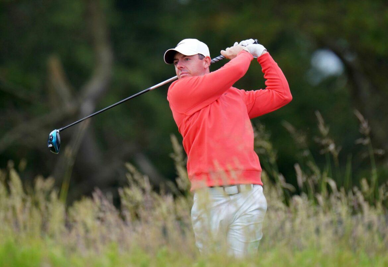 Fan schnappt sich Schläger von verdutztem Golfstar McIlroy